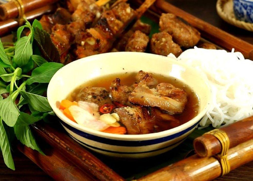 The difference in cuisine between 3 regions of Vietnam 3