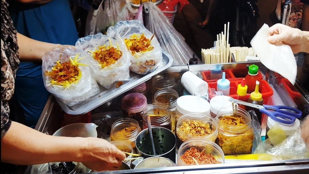 7 Vietnam street foods you should try on your Vietnam tour 3