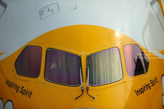 Pilots getting a Scoot Boeing 787 Dreamliner ready for departure. Click to enlarge.