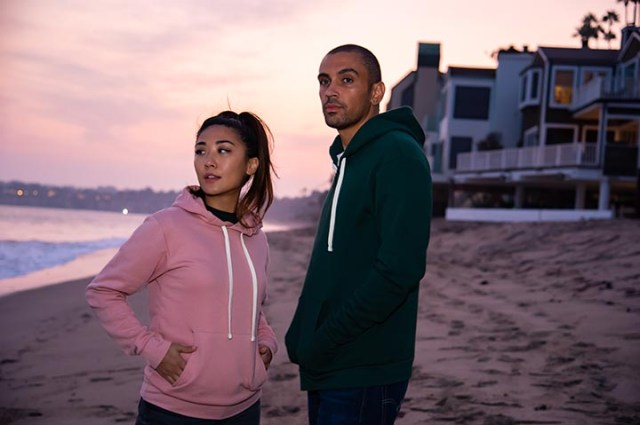 Young couple in relaxed-fit clothes