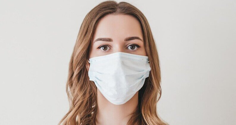 SYMMETRIA: Maskne ή αλλιώς η ακμή που προκαλεί η χρήση μάσκας