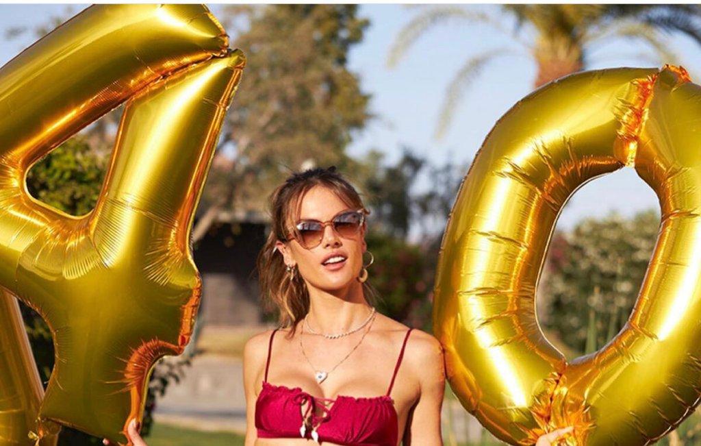 Η Αλεσάντρα Αμπρόσιο γιορτάζει!