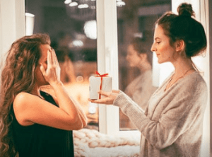 giving a gift of kindness