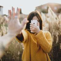 Warning over mobile apps that covertly turn on iphone cameras