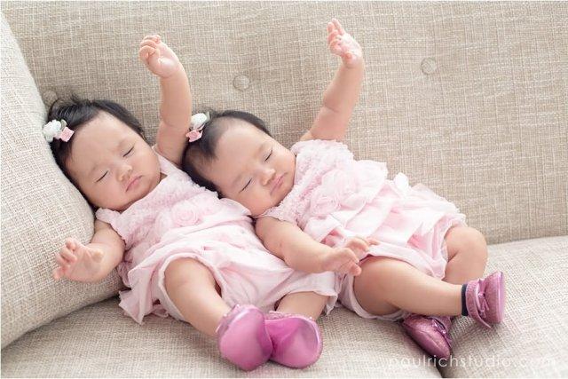 Memiliki Anak Kembar Tidak Berarti Harus Dibelikan Barang Yang Sama