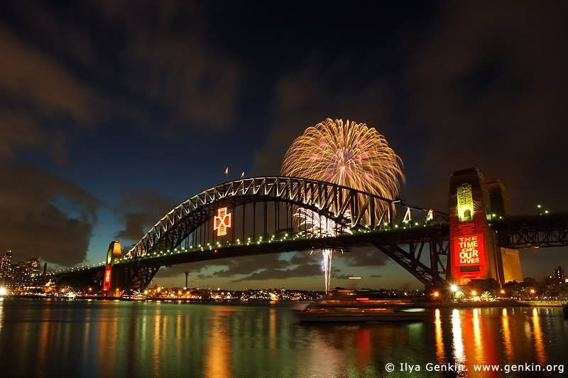 25 Very Beautiful Sydney Harbour Bridge Firework Pictures