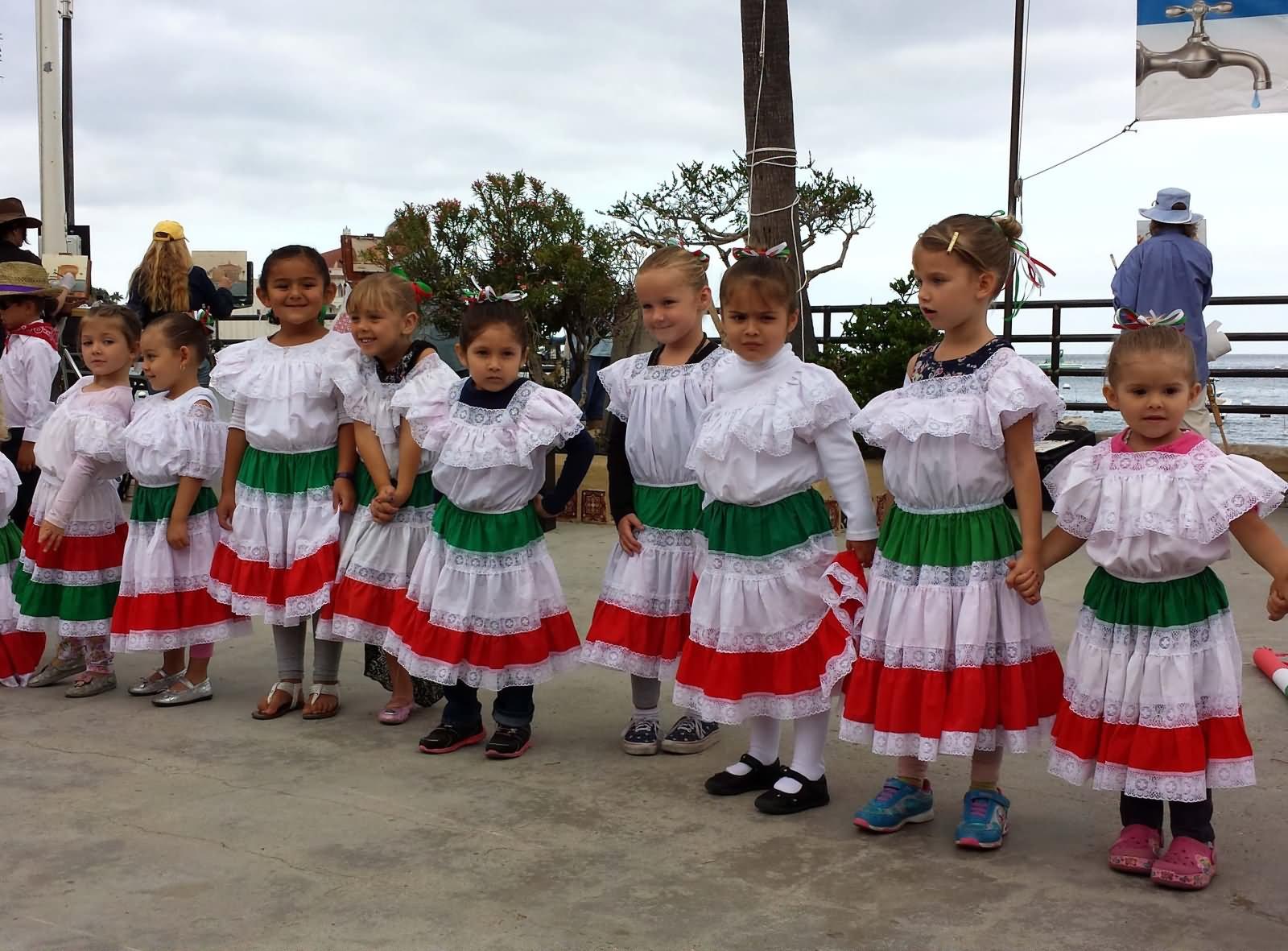 35 Amazing Cinco De Mayo Celebration Pictures And Photos