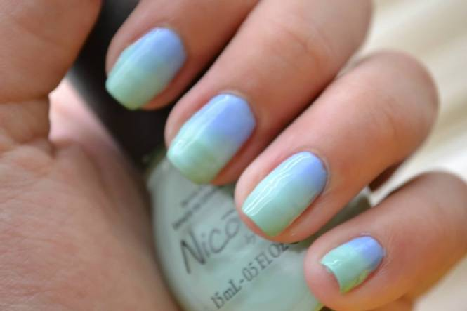 Steps 1 Make Lavender As Your Base 2 Cut Off Tiny Circles Colorful Nails With A Makeup Sponge Nail Art