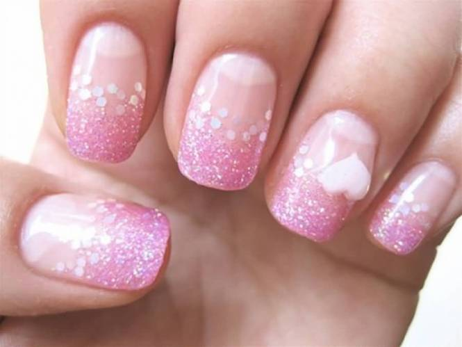 First Thing 39 S Here How To Do An Ombre Effect With Loose Nail Glitter You Can It On The Tips Of Your Nails Or From Bottom Up