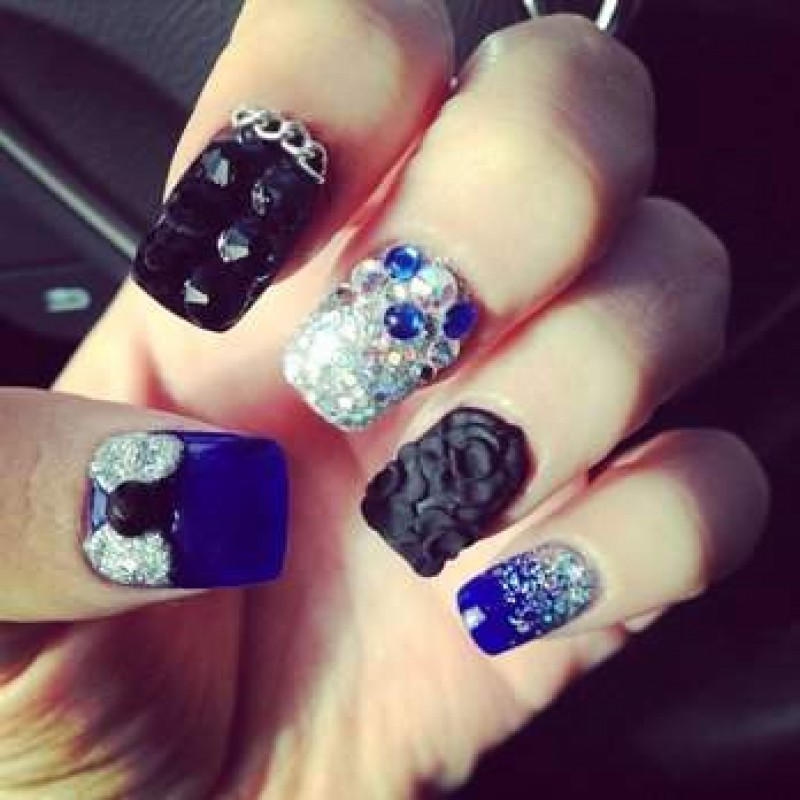 3d Rhinestones Caviar Be And Bow Nail Art Design