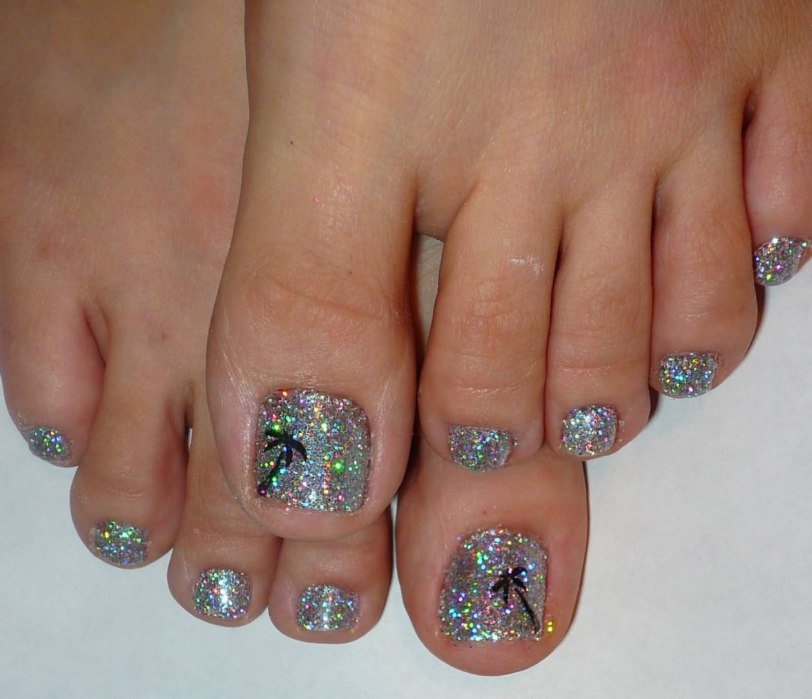 50 Best Toe Glitter Nail Art Design Ideas