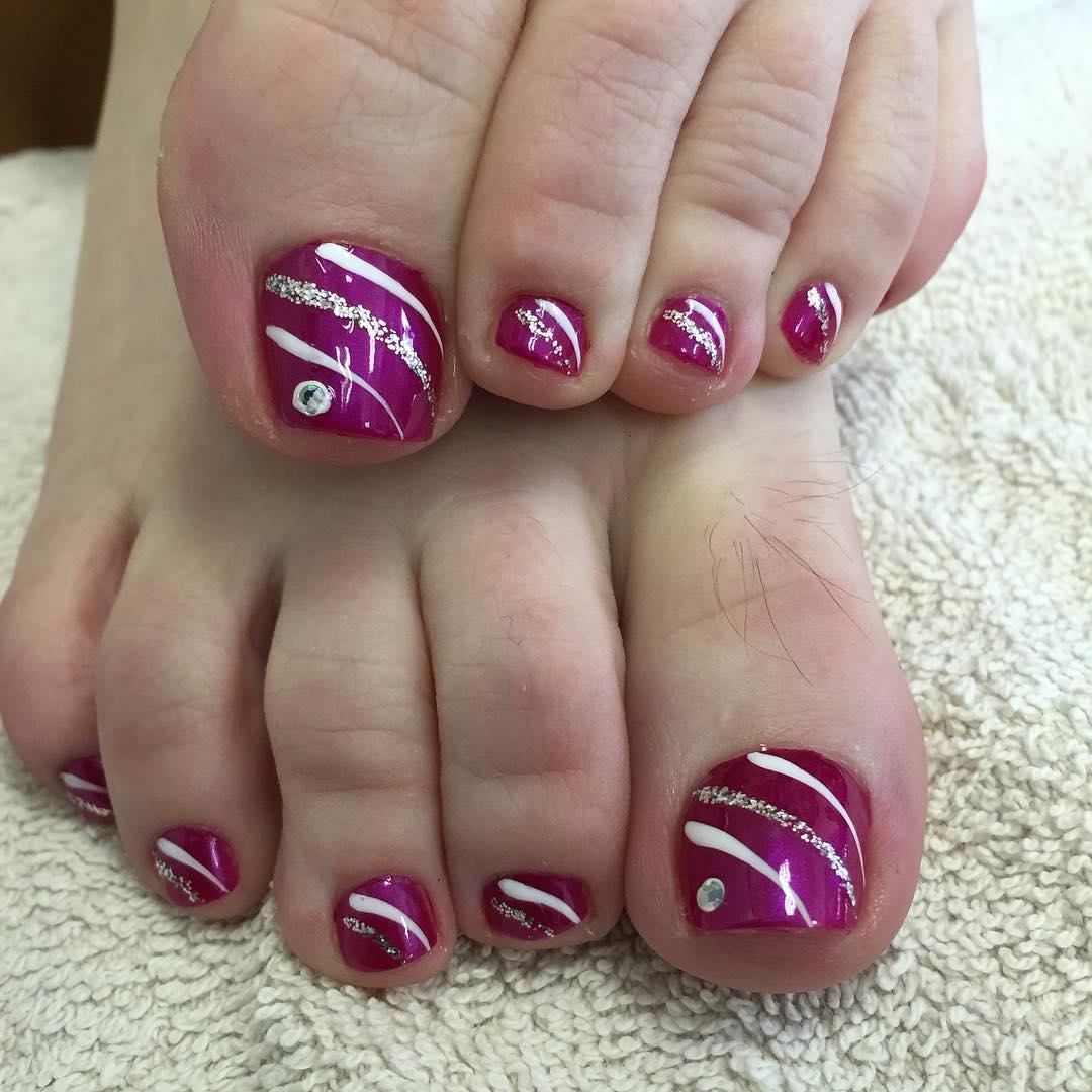 Purple Glossy Toe Nails With Silver Glitter Stripes Design Nail Art