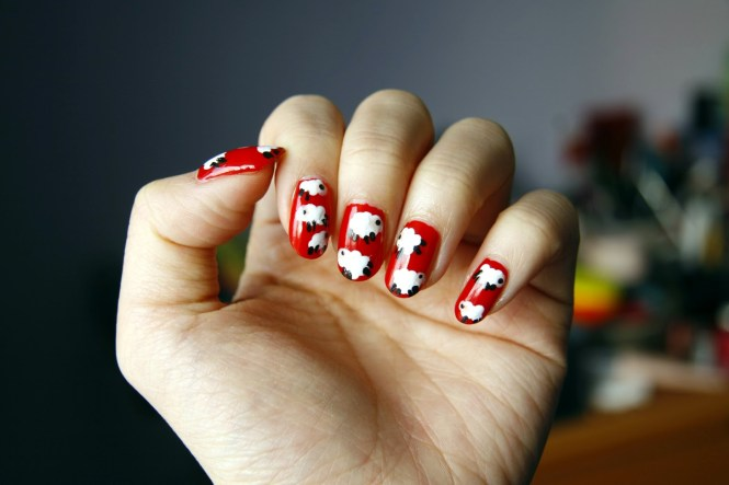 Red And Gold Chinese Nail Art Design Idea