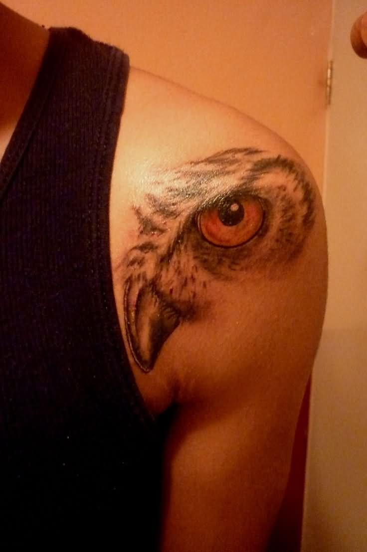 Eagle Eye Tattoo On Man Front Shoulder
