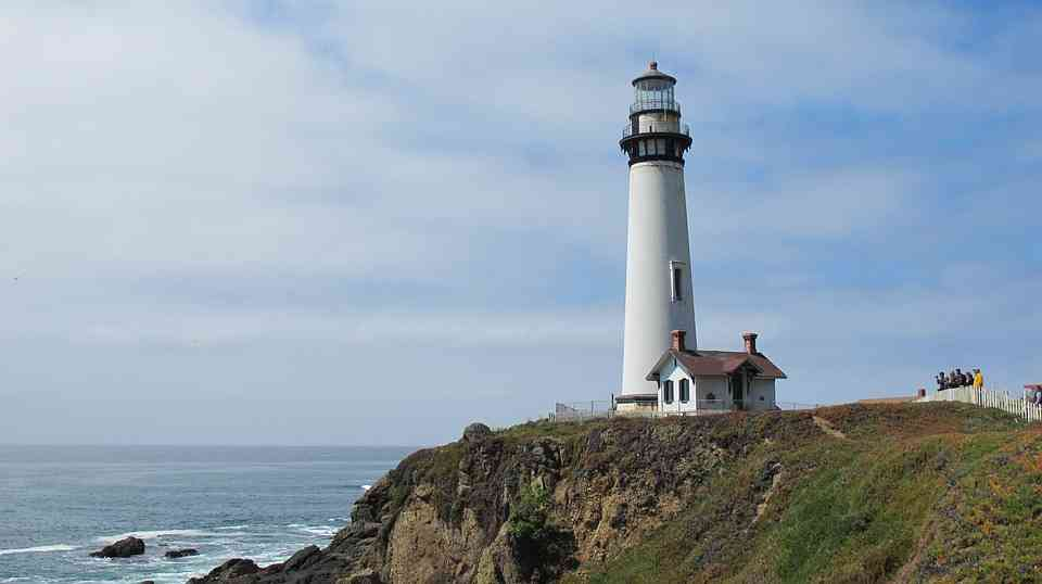 """In """"To the Lighthouse"""" Virginia Wolf found a subject that enable her to do full justice to her technique."""