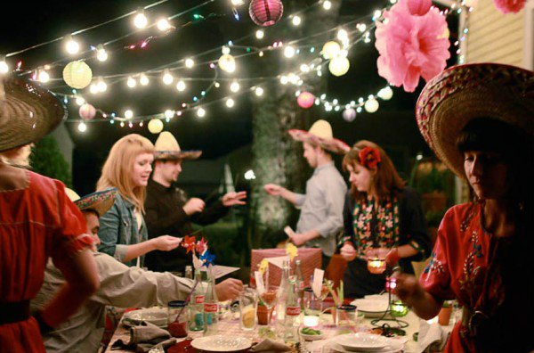 What are some strategies to throw a party in your home ...