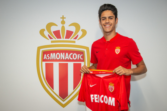 Officiel : Tiago Ribeiro signe à l'AS Monaco
