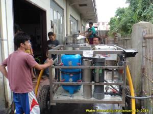Máquina potabilizadora en Tacloban