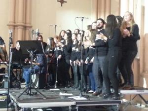 Coro del PS durante el concierto (Foto: @asolidaridad)