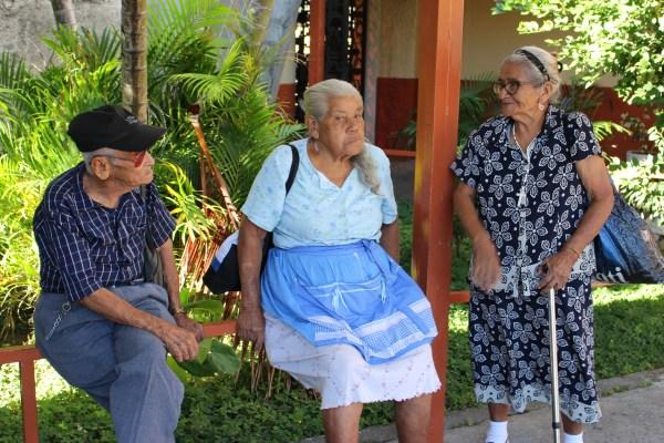 Se atenderá aproximadamente a 40 ancianos con edades comprendidas entre los 75 y 92 años.