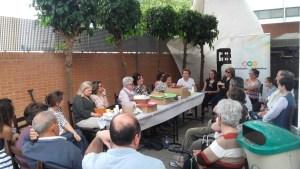 Reunión de vecinos en las Jornadas Solidarias de AS Mérida