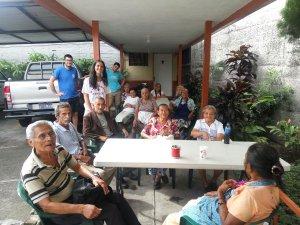 Nacho, Alfonso y Manuela, en su visita al proyecto de la Campaña de Navidad 2016 en San Salvador (El Salvador)
