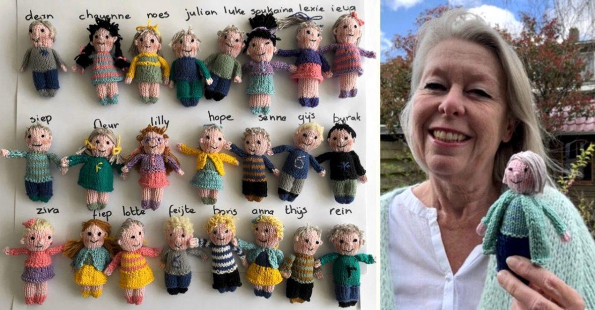 Professora tricotou bonecos dos seus alunos pra matar a saudade na quarentena