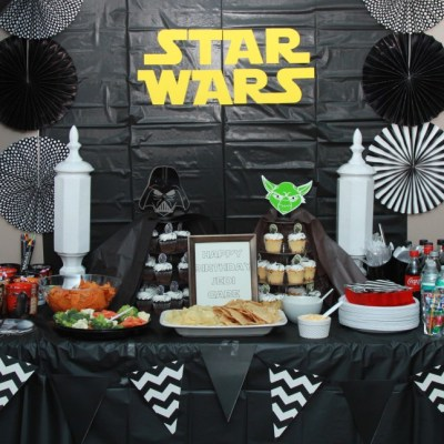 Star Wars Themed Cupcake Stands & Party