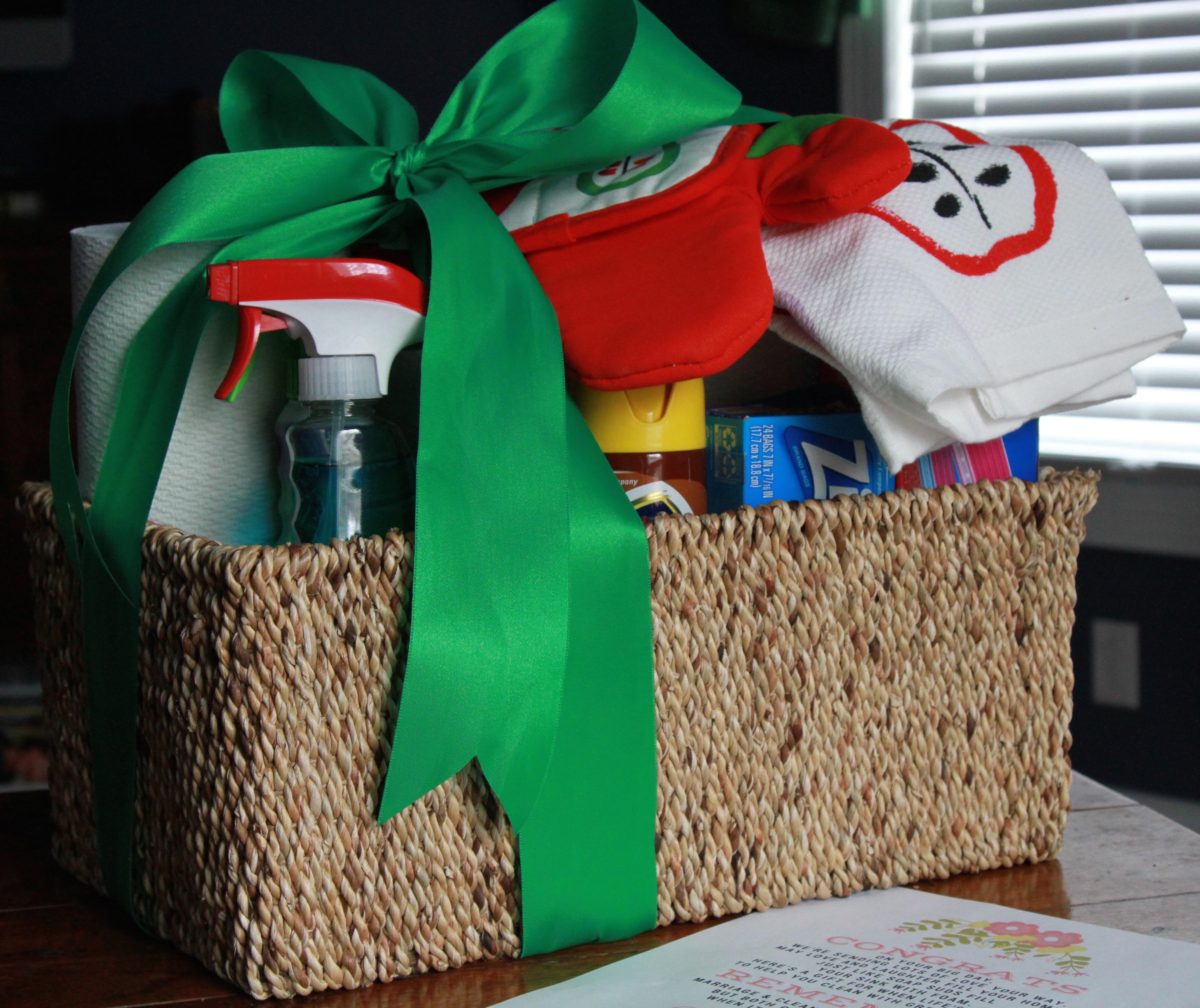 newlywed gift basket ideas