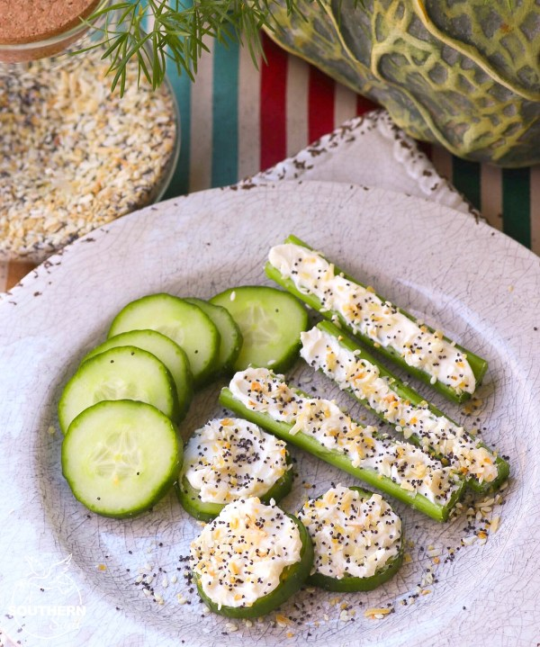 Everything bagel seasoning with garlic, onion, salt, poppy & sesame seeds is a savory blend perfect for sprinkling on all your favorite foods!