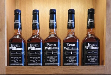 Evan Williams Bourbon Experience: A Speakeasy Tasting