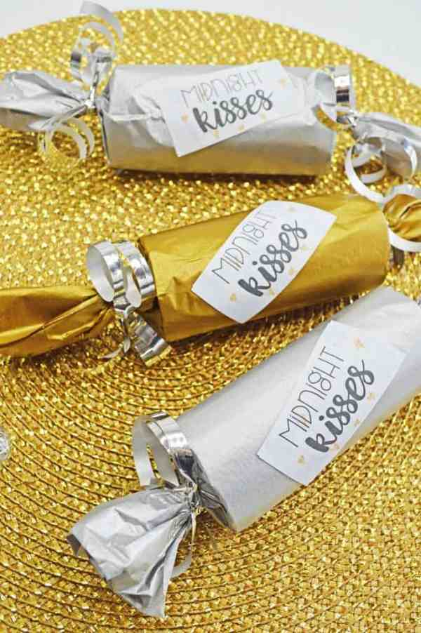 Midnight Kisses New Years Eve Party Poppers
