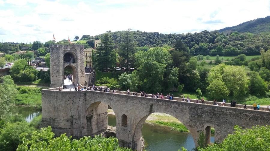 Puente Medieval de BesalúBridge