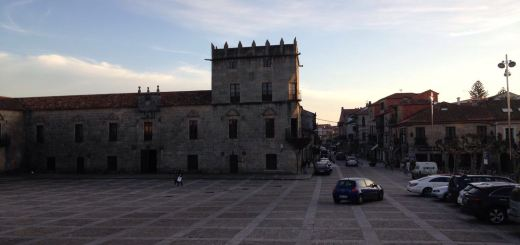 Lavorare a Cambados - Plaza de Fefiñanes - aspassoperlaspagna.it