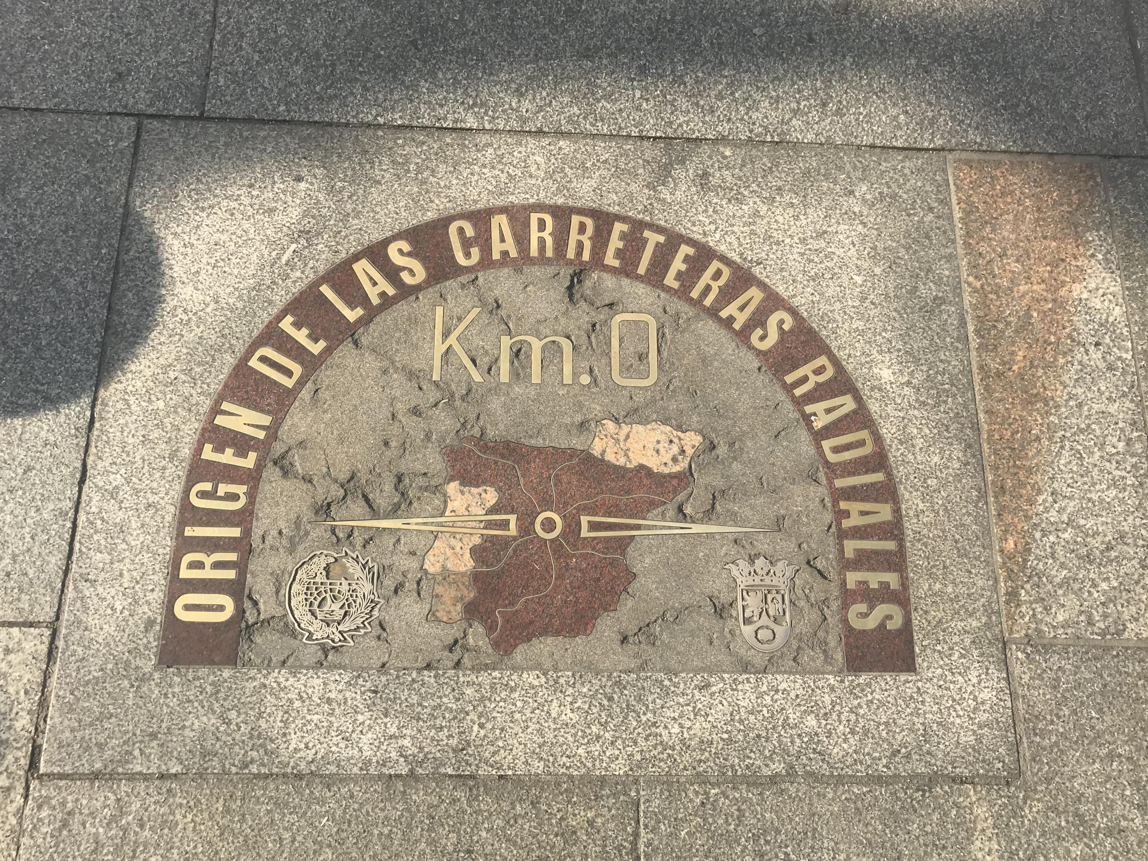 Puerta del Sol Madrid - chilometro 0 - aspassoperlaspagna.it