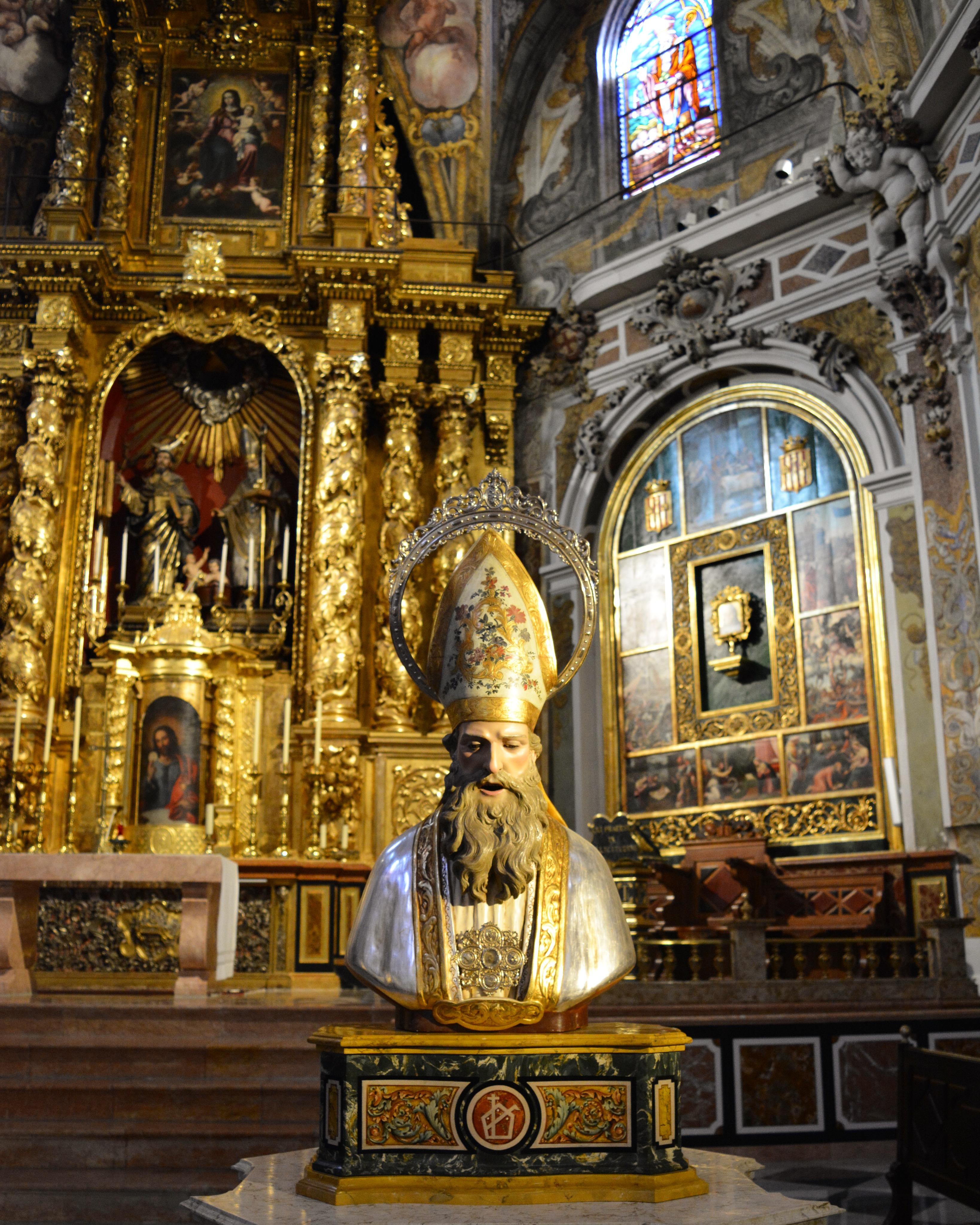 San Nicolas Valencia - statua San Nicola - aspassoperlaspagna.it