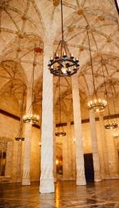 Lonja de la Seda Valencia - salone colonnato - aspassoperlaspagna.it