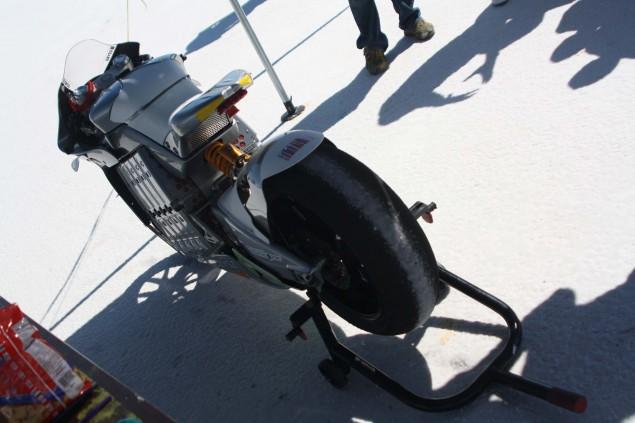 2010-MotoCzysz-E1pc-Bonneville-Salt-Flats-LSR-14