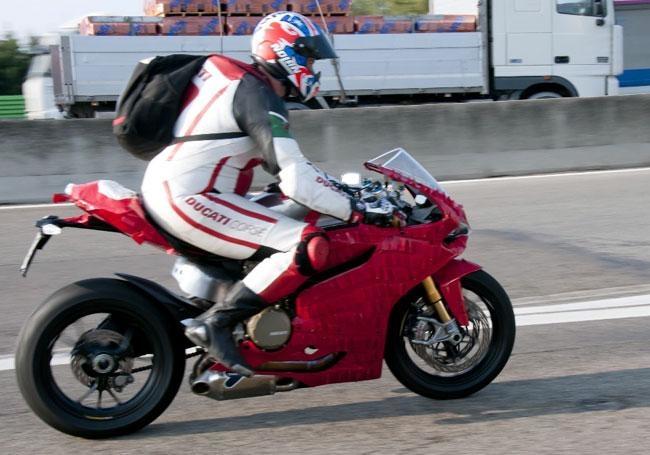 2012-Ducati-1199-Panigale-load-test-2.jp