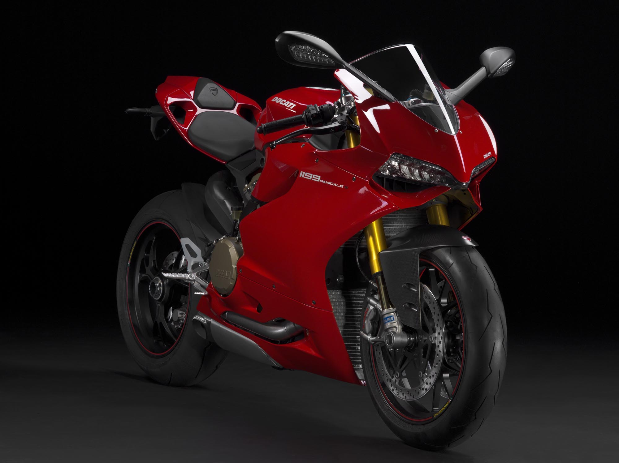 2012 ducati 1199 panigale redefines the word 39 superbike 39 asphalt rubber. Black Bedroom Furniture Sets. Home Design Ideas