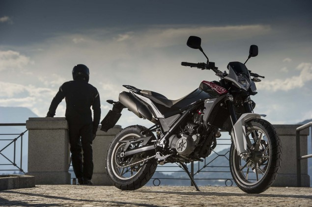 More Photos of the Husqvarna TR 650 Strada & Terra Husqvarna TR 650 Strada Outdoor 06 635x422