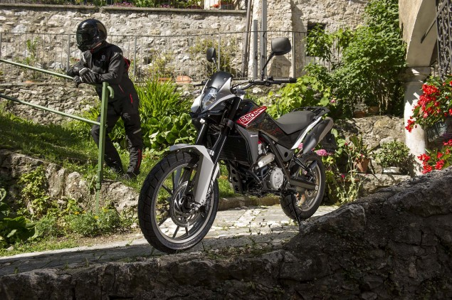 More Photos of the Husqvarna TR 650 Strada & Terra Husqvarna TR 650 Strada Outdoor 08 635x422