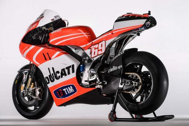 Nicky-Hayden-Andrea-Dovizioso-Ducati-Desmosedici-GP13-Wrooom-09