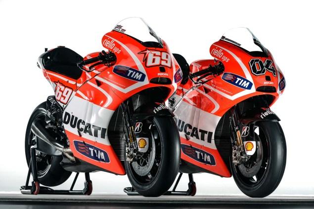 Nicky-Hayden-Andrea-Dovizioso-Ducati-Desmosedici-GP13-Wrooom-12