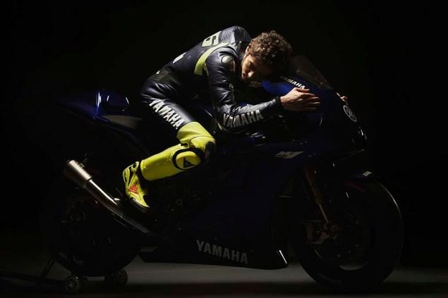Valentino-Rossi-Jorge-Lorenzo-Yamaha-M1-MotoGP-24