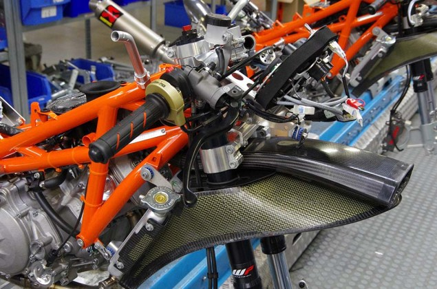 2013-KTM-RC250R-production-racer-build-09