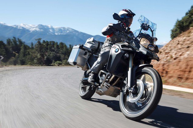 2013-BMW-F800GS-Adventure-outdoor-action-28