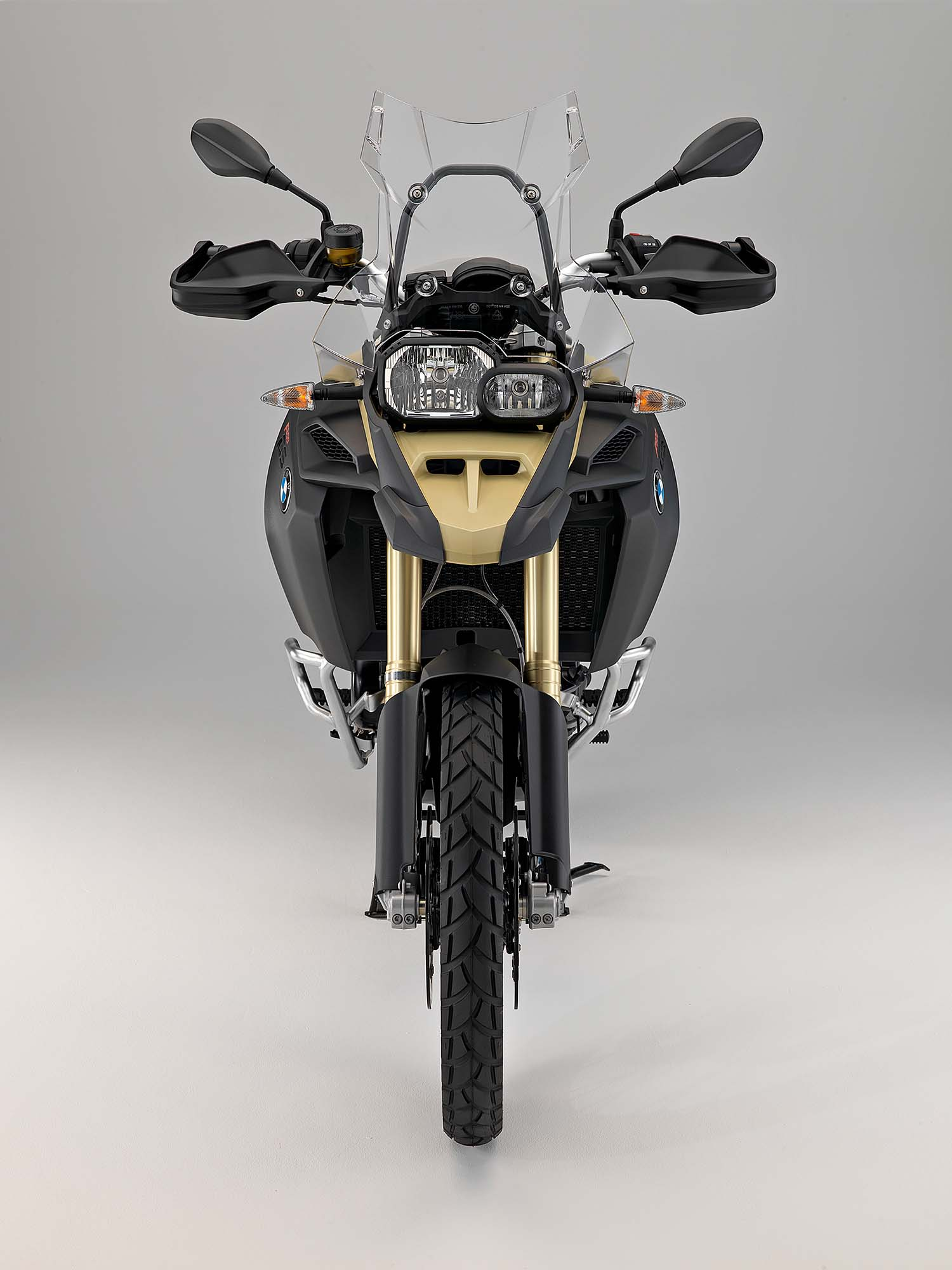 bmw f800gs adventure germany 39 s middleweight adv. Black Bedroom Furniture Sets. Home Design Ideas
