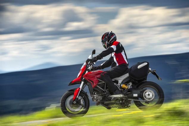 2013-Ducati-Hyperstrada-22