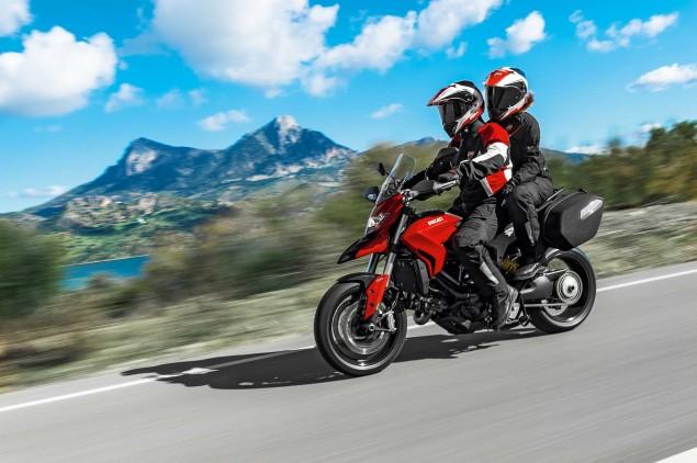 2013-Ducati-Hyperstrada-47